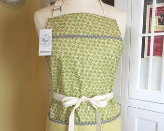 Pixie Yellow Farmhouse Apron, Apron for Women, Womens Apron, Cute Apron, Chefs Apron, Yellow Apron, Retro Apron, Vintage Apron