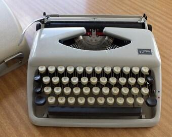 Typewriter, Portable, Tippa