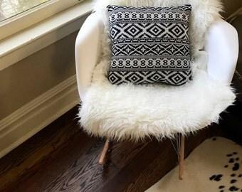 Black and White Bohemian Print Throw Pillow