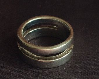 Unusual 2 band Silver Ring