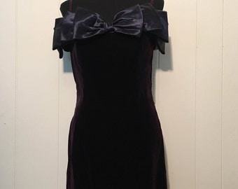 Vintage 90s Jessica Howard by Mitchell Rodbell Midnight Blue Velvet Look Formal Party Dress
