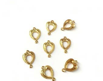 6 Vintage Gold Plated Heart Connectors // Connector Findings // 16mm x 11mm