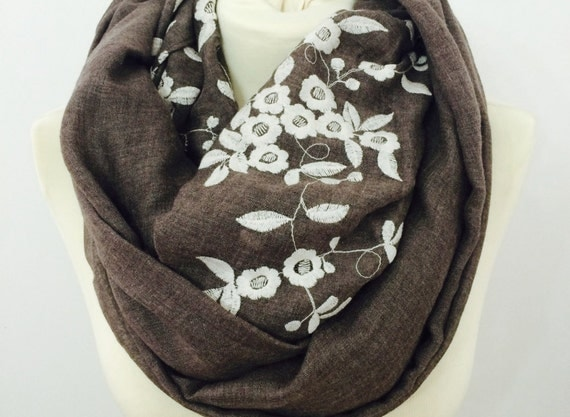 Floral infinity scarf, chunky scarf, womens scarf, cowl scarf, winter scarf, loop scarf, circle scarf, scarves, flower print infinity scarf
