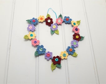 Year round wreath, valentines gift, floral wreath, spring wreath, crochet wall decor, wall hanging, gift for her