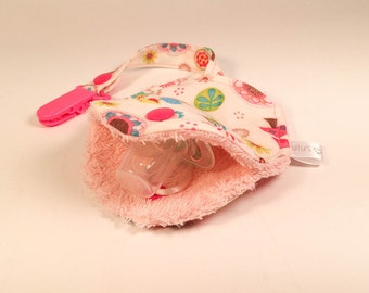 CLEARANCE-Soother holder - flowers (dark pink ties)
