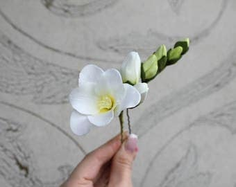 Wedding hair pin Bridal flowers hairpin White freesia hair accessories  White flowers Prom hair accessories  White wedding Prom White