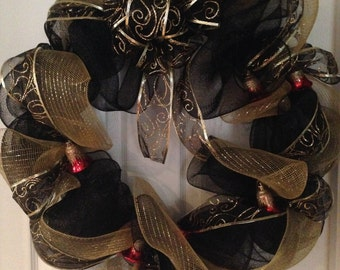 Gold and Black Wreath