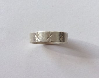 Vintage 1950's Silver Star Embossed Band Couple Promise Engagement Statement Ring