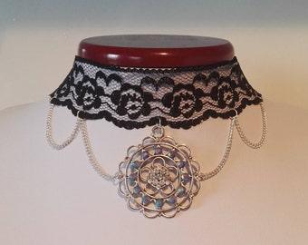 Witch gem black lace choker