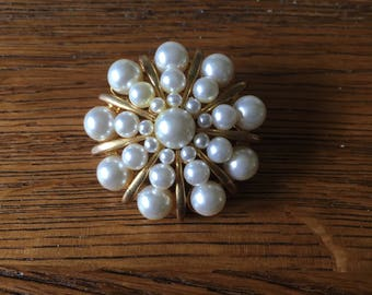 Vintage pearl brooch - snowflake spiral burst - faux pearl - gold tone