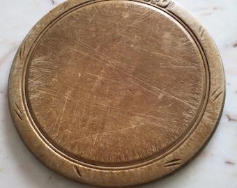 Vintage Round English Breadboard (embossed)