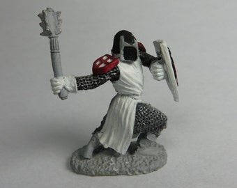 Dungeons and Dragons Miniatures - DND -  Warrior, Fighter, Hand painted - Vintage - Role Playing - RPG - Miniature - Dungeon and Dragon