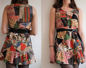 Very pretty Vintage A-line Dress from the 70s / Cotton fabric, patchwork print