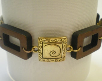 Roman/Greek Inspired Metal Link Bracelet