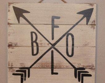 Buffalo Arrow - Buffalo, NY Pallet Sign