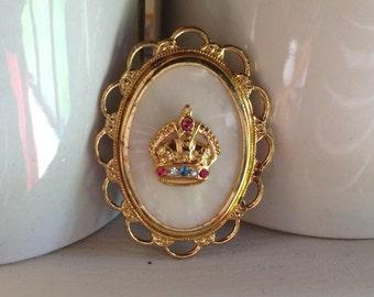 Vintage costume brooch crown detail 1960s