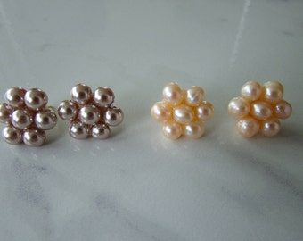 Flowers stud earrings, SET OF 2 EARRINGS, fresh water peals earrings, pearls earrings, Vintage Style