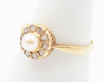 18 krt. Yellow gold ring with a white pearl and 10 rose-cut diamonds