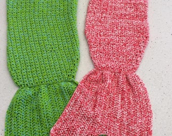 Mermaid tail - Crochet snuggle blanket