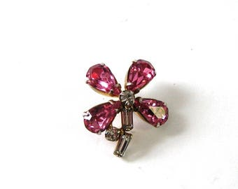 vintage pink rhinestone flower pin . small scatter pin tie tack, prong set glass, open back