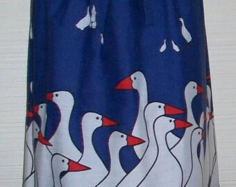 """Wild Iris 1970s era White Duck on Navy SKIRT Elastic Waist medium 28"""" to 40"""" waistband"""