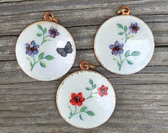 1 Vintage guilloche enamel pendant. Hand painted enameled flowers- floral white blue red  NOS mid century jewelry A3