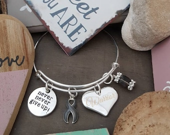GR-1 Never Give Up GRAY Ribbon Charm Bracelet Wire Adjustable / Awareness Brain Cancer- Brain Tumor- Diabetes- Parkinsons Disease