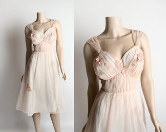 Vintage 1960s Rose Slip - Peach Nude Sheer Nylon Floral Lace Applique Negligee Nightie Lingerie Dolly Dress - Medium