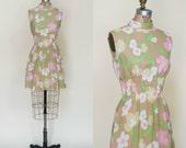 1960s Mini Dress --- Vintage Floral Dress
