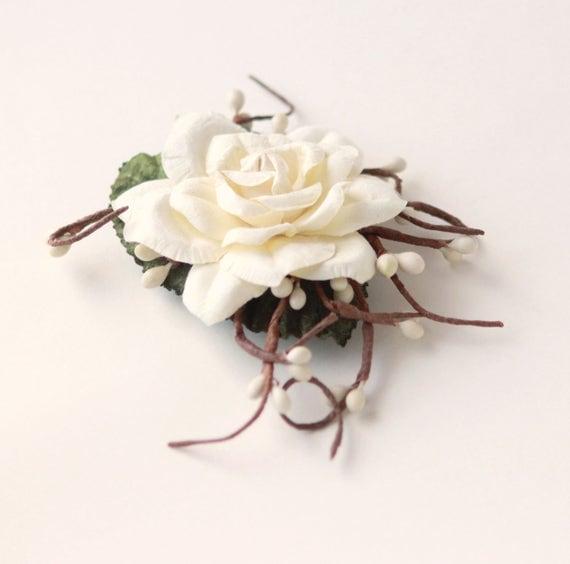 Woodland Flower Clip, Rustic bridal hair, Ivory Bridal headpiece, Cream Bridal hair clip, Off white wedding hair, Pip berry floral clip