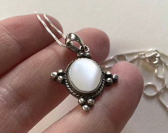 Gemetics Vintage Gothic Design Opaque Mother Of Pearl 925 Sterling Silver Pendant Necklace
