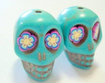 Day of the Dead Turquoise Howlite 18mm Sugar Skull Beads with Fun Flower Eyes