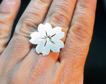 Silver ring with a cherry blossom flower, Sterling silver flower, Floral ring, Sterling silver ring, Flower ring, Statement ring, Boho ring