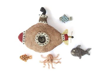 Unusual jewelry, brooch set; cat in a submarine brooch, octopus brooch, shark brooch and two fish brooches - out of the ordinary art jewelry