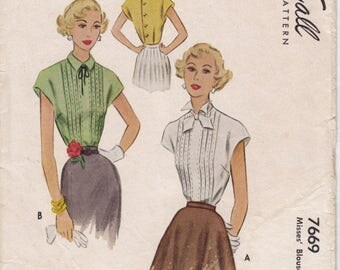 Vintage Pattern McCall 7669 Misses' Blouse with Tucks 40s Size 16 B34