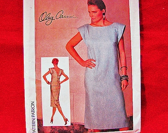 1980s Dress Pattern designer Oleg Cassini Misses size 10 UNCUT Back V Neckline Shift Dress Pattern Vintage Patterns