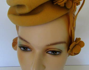 Vintage Tilt Hat 1940s WWII era  Min Hat Gold with Avant Garde dangling Flowers