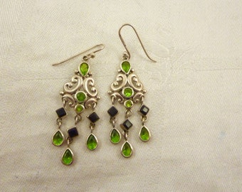 Vintage Thai Sterling Silver Bright Green and Black Glass Drop Earrings