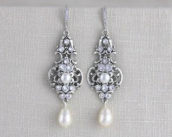 Bridal earrings, Vintage style earrings, Wedding jewelry, Pearl earrings, Antique silver earrings, Swarovski earrings, Dangle earrings