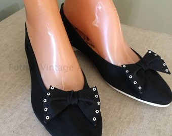1950s FUN SHUS by ISCO Black Canvas Point Toe Flats with Adorable Bows Size 7 New Old Stock