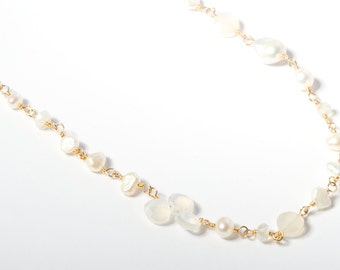 Delicate Gold Necklace, Delicate Gemstone Necklace, Gemstone Necklace, Pearl Necklace, White Pearl Necklace, White Gemstone Necklace, White