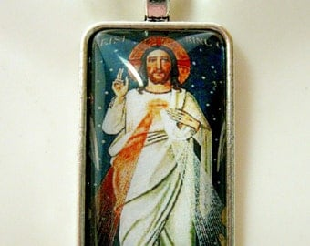 Divine mercy pendant with chain - AP16-005