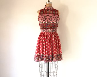 1960s Mod Vintage Mini Dress Red Pink Psychedelic Floral Print Sleeveless Turtleneck Full Skirt S