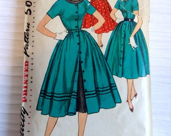 Vintage 1950 Day or Party Dress sewing pattern.   Simplicity.   Misses Size 16.   Bust size 34.  No. 4998.
