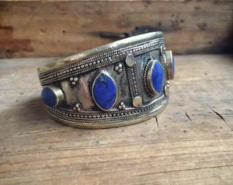 Vintage lapis tribal bracelet silver alloy, ethnic lapis cuff, Turkmen kuchi bracelet, gypsy boho hippie jewelry, blue silver Afghan