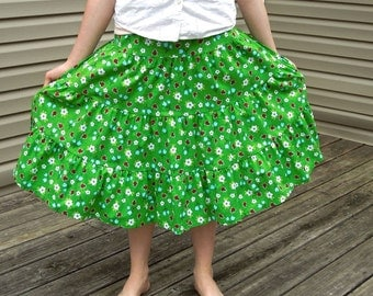 Girls Long Modest Bright Green Ladybug and Daisy Tiered Peasant Skirt Size 8/10