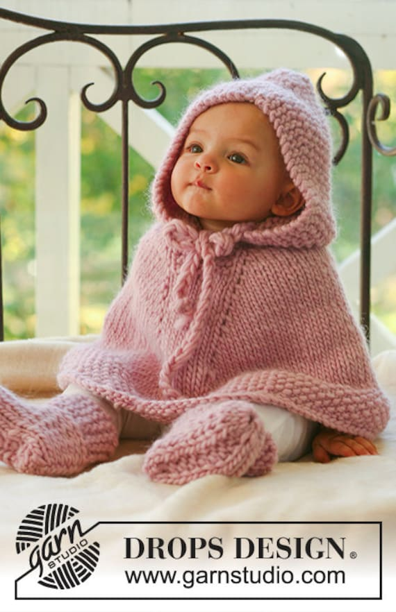 Baby poncho Hooded poncho Baby girl clothes Baby boy clothes. Baby girl gift. Children clothing. Cars seat cover Baby shower gift Photo Prop