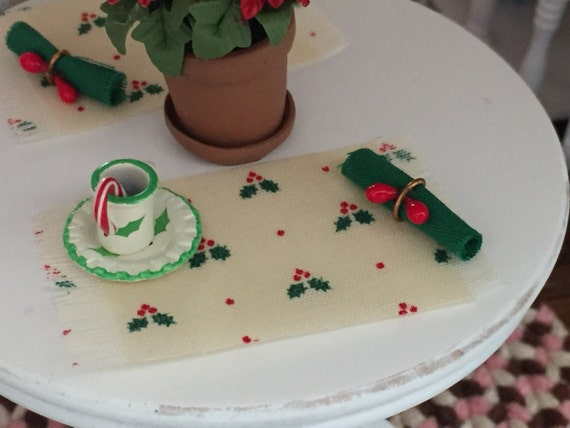 Miniature Christmas Holly Placemats and Napkin Set, Dollhouse Miniatures, 1:12 Scale, Dollhouse Accessories, Holiday Kitchen Dining Decor