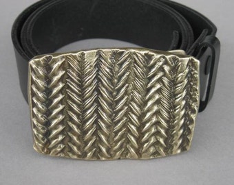 Twisting Hand-made Bronze Belt Buckle