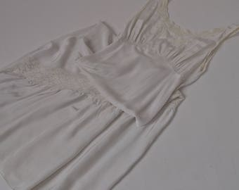 Vintage 30's/40's Nightgown Long White Lace Bias Cut Ruffle Wedding Bridal